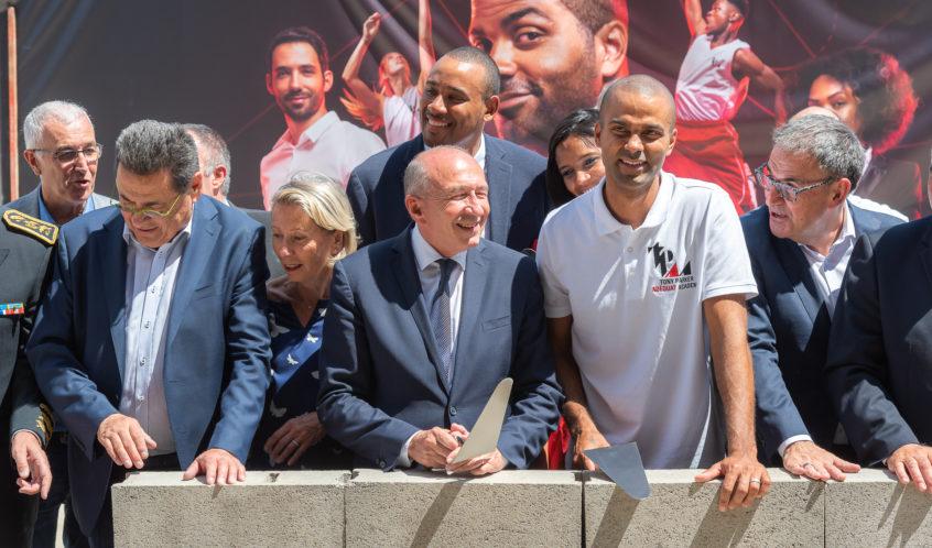 Gérard Collomb et Tony Parker lors de la pose de la première pierre de la Tony Parker Adéquat Academy à Lyon le 29 Juin 2018