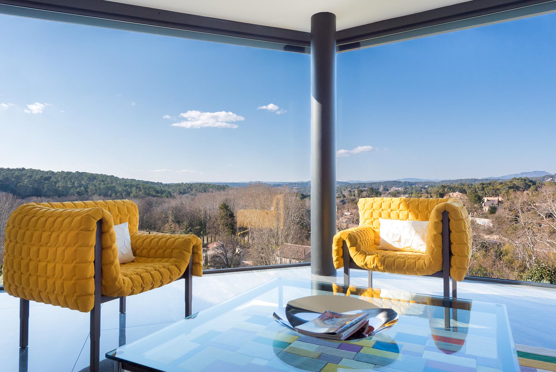 Vue depuis le salon d'une Villa de prestige à Castelnau-le-Lez - Agence Sotheby's Montpellier